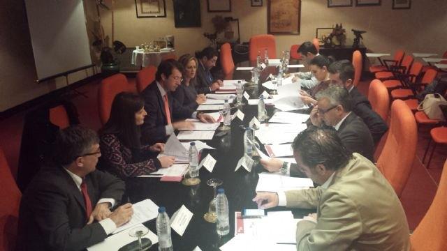 El Ejecutivo regional muestra su compromiso de ayudar a consolidar Ifepa como la gran institución ferial de la Región de Murcia - 1, Foto 1