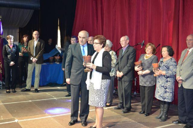 Alberto Garre asistió ayer en San Javier a la muestra sociocultural de los centros de mayores del IMAS que reunió a cerca de 800 personas en la carpa - 2, Foto 2