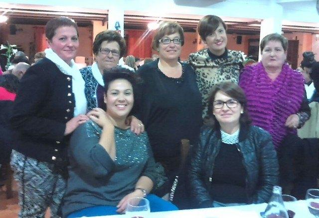 El pasado viernes tuvo lugar la tradicional cena de Navidad de la Asociaci�n Igual-da de El Pareton, Foto 1