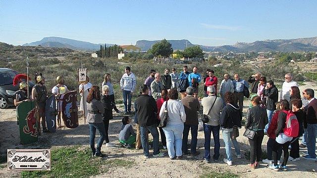 Cerca de 40 personas descubren el origen de la Ciudad de Totana con la Asociación Kalathos, Foto 1