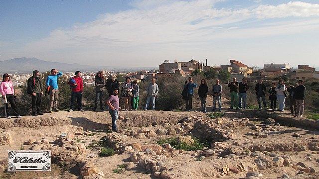 Cerca de 40 personas descubren el origen de la Ciudad de Totana con la Asociación Kalathos - 7