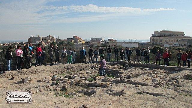 Cerca de 40 personas descubren el origen de la Ciudad de Totana con la Asociación Kalathos - 8
