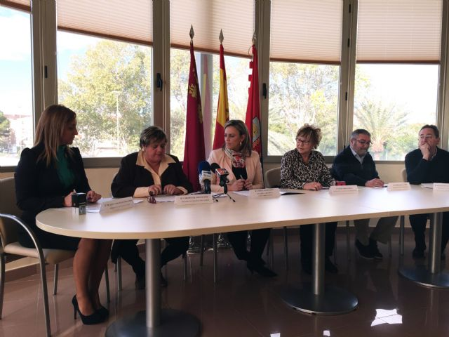 El Ayuntamiento de Torre-Pacheco reparte 34.500 euros con varias asociaciones y entidades para la realización de acciones sociales - 1, Foto 1