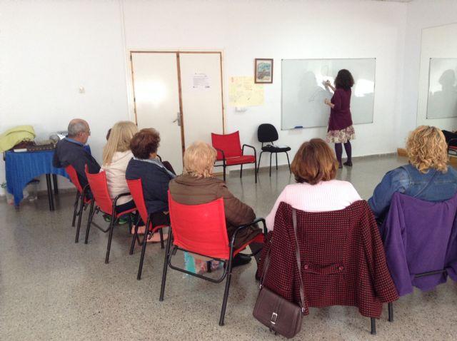 El taller de autoestima del banco del tiempo congregó a 17 personas - 1, Foto 1