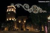 El alumbrado tradicional de Navidad y Reyes en la vía pública permanecerá hasta el día 5 de enero