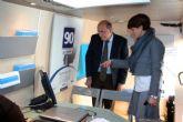 La directora adjunta del INFO visitó ayer Alcantarilla para presentar el servicio 'INFOmóvil'