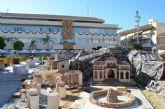 El 'Belén de España' se construye a los ojos de los vecinos durante 11 días en la plaza de España