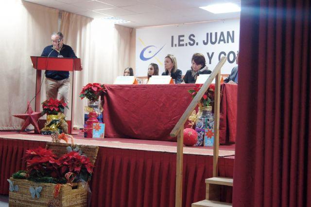Los diecis�is alumnos de la VIII Promoci�n del Bachillerato Internacional del IES Juan de la Cierva y Codorni� reciben sus diplomas acreditativos, Foto 5