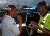 La Guardia Civil detiene a un conductor por carecer de carné, superar la velocidad máxima y conducir bajo la influencia de drogas