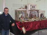 Un belén de Miguel Torres decora el Centro de Iniciativas Turísticas