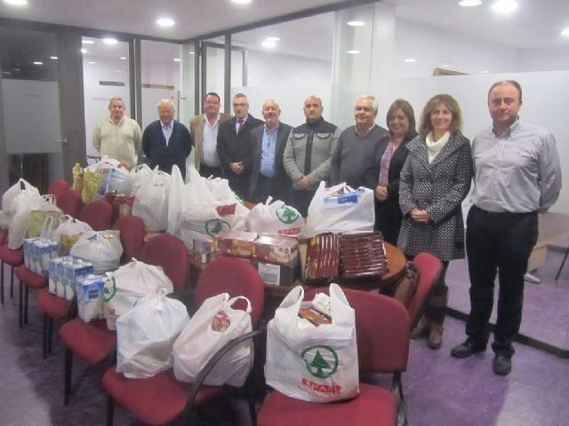 El equipo de gobierno dona más de 100 kilos de alimentos - 2, Foto 2