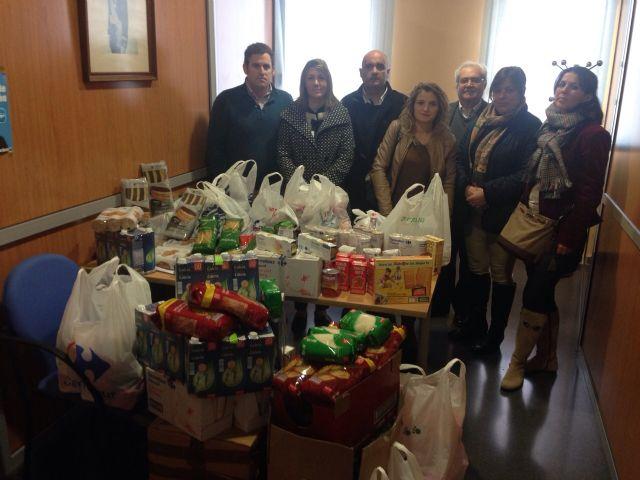 El equipo de gobierno dona más de 100 kilos de alimentos - 3, Foto 3