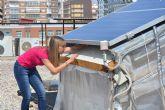 Una tesis de la UPCT calcula la distancia entre paneles solares y cubiertas que optimiza su rendimiento