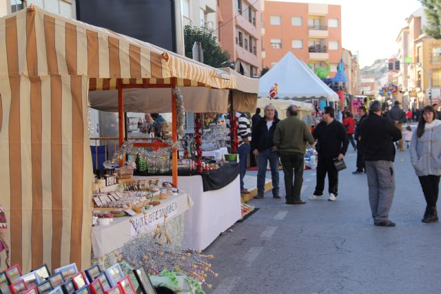 Mercado Artesanal de Navidad en Puerto Lumbreras con más de 40 puntos de venta de productos navideños y artesanales - 1, Foto 1