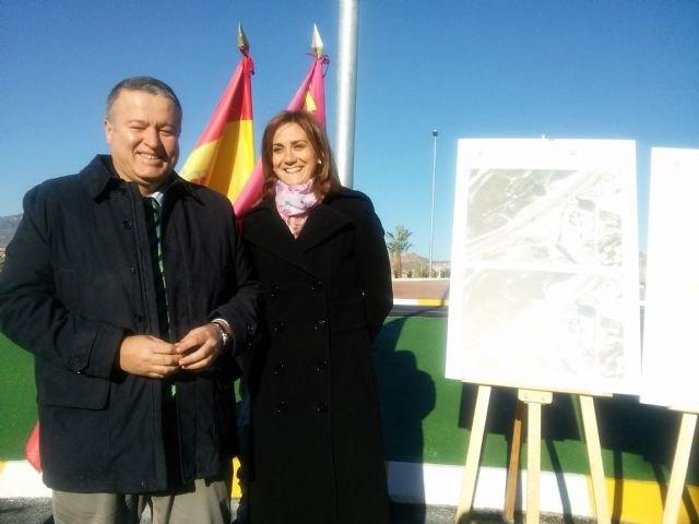 Bernabé inaugura una rotonda en Archena que hará más seguro el acceso a La Algaida - 2, Foto 2
