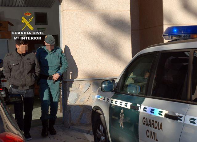 La Guardia Civil desmantela una organización criminal dedicada a cometer robos con violencia en el Mar Menor - 1, Foto 1