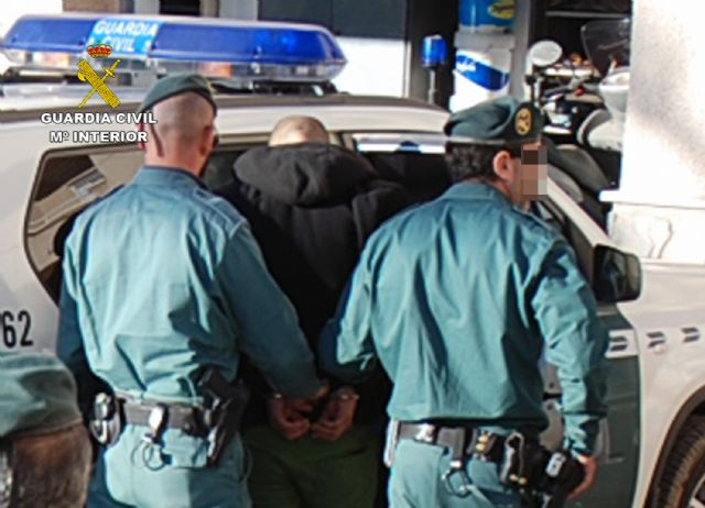 La Guardia Civil desmantela una organización criminal dedicada a cometer robos con violencia en el Mar Menor - 2, Foto 2
