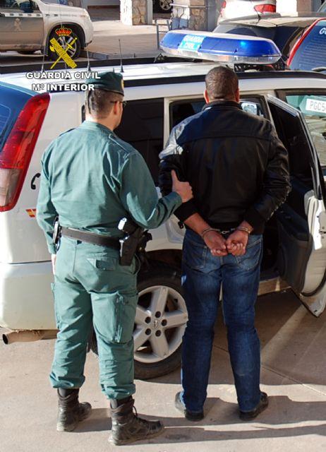 La Guardia Civil desmantela una organización criminal dedicada a cometer robos con violencia en el Mar Menor - 3, Foto 3