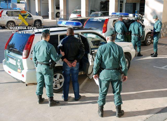 La Guardia Civil desmantela una organización criminal dedicada a cometer robos con violencia en el Mar Menor - 4, Foto 4