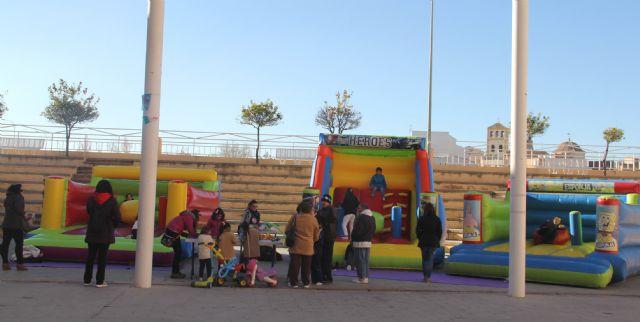 Puerto Lumbreras organiza talleres, juegos educativos y castillos hinchables para los más pequeños, a través de Navilandia - 2, Foto 2