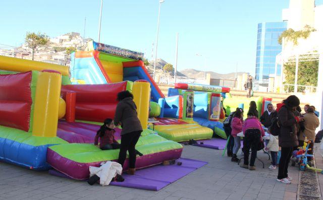 Puerto Lumbreras organiza talleres, juegos educativos y castillos hinchables para los más pequeños, a través de Navilandia - 3, Foto 3