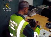 La Guardia Civil intercepta al conductor de un camión articulado de gran tonelaje con el tacógrafo manipulado
