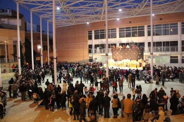 Los Reyes Magos llegan hasta Puerto Lumbreras repartiendo regalos. 2015 - 1, Foto 1