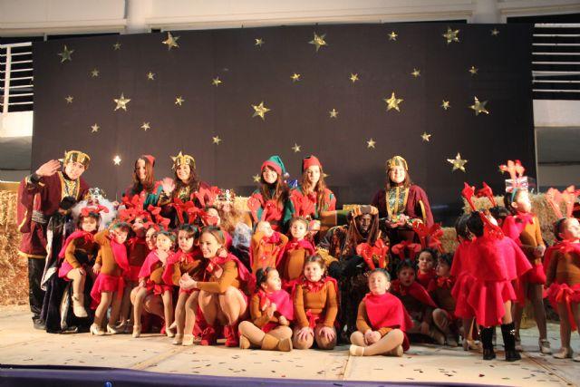 Los Reyes Magos llegan hasta Puerto Lumbreras repartiendo regalos. 2015 - 2, Foto 2