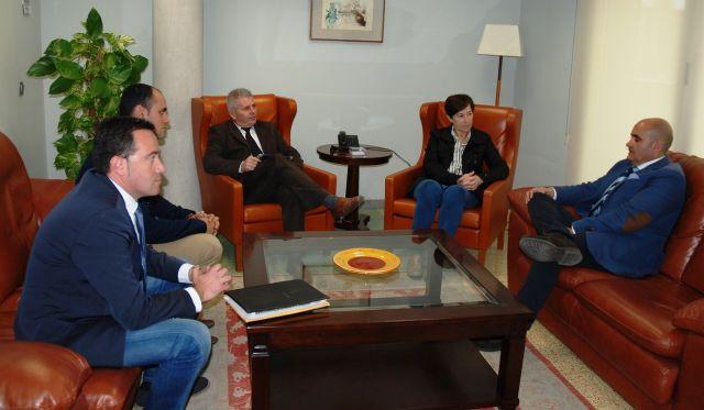 Reunión del alcalde de La Unión con la consejera de Sanidad y Política Social - 2, Foto 2