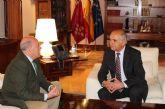 El jefe del Ejecutivo murciano, Alberto Garre, recibe al alcalde de Mula, José Iborra