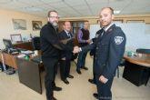 El Ayuntamiento felicita a dos policías locales por su meritoria actuación en sendos sucesos