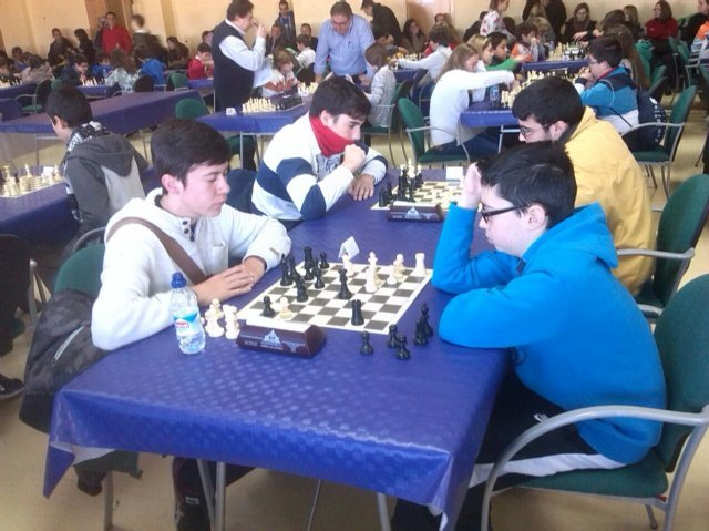Twelve Totana schoolchildren participated in the 1st regional conference Chess School Sports
