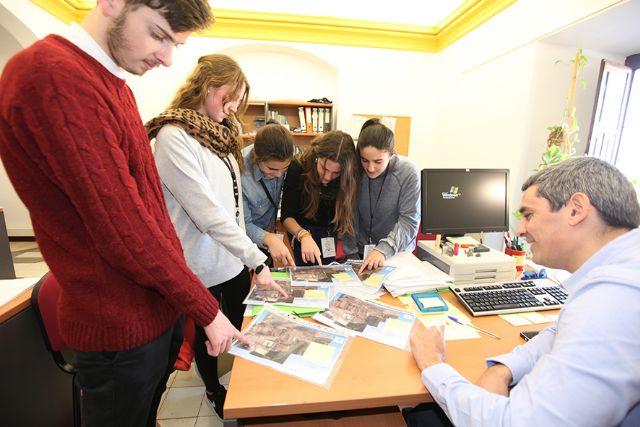 Cerca de doscientos estudiantes de la Región ponen a prueba sus conocimientos - 2, Foto 2