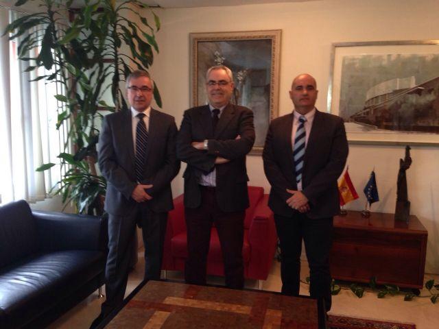 Reunión con el Consejero de Economía y Hacienda - 1, Foto 1