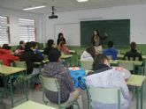 Técnicos del  Banco del Tiempo de San Javier imparten cinco charlas informativas en el IES 'Antonio Menárguez'