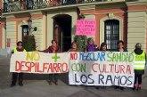 Más de mil vecinos de Los Ramos vuelve a pedir que no se traslade el consultorio médico al centro cultural
