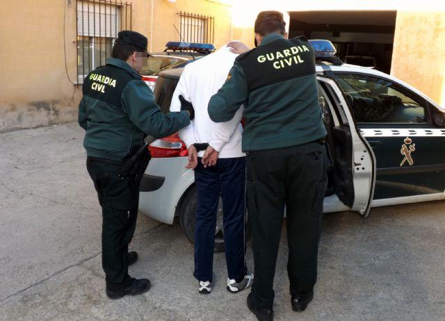 La Guardia Civil a un joven por la comisión de varios robos con violencia en Cieza - 3, Foto 3