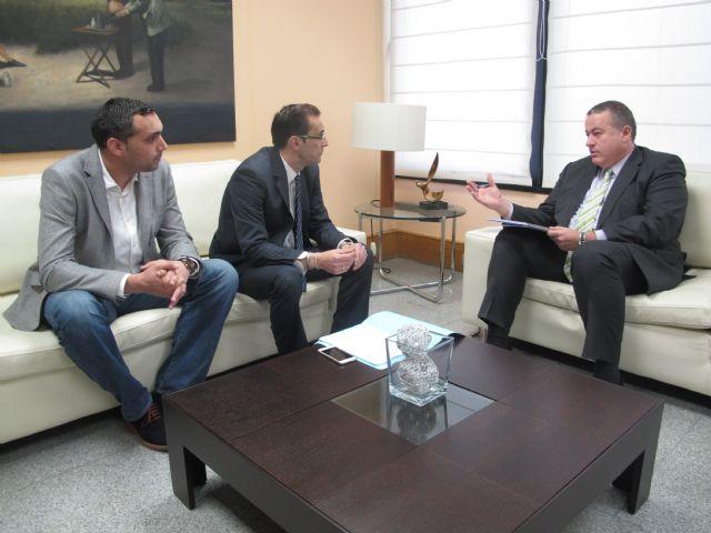 El consejero de Fomento se reúne con el alcalde de Ulea - 1, Foto 1