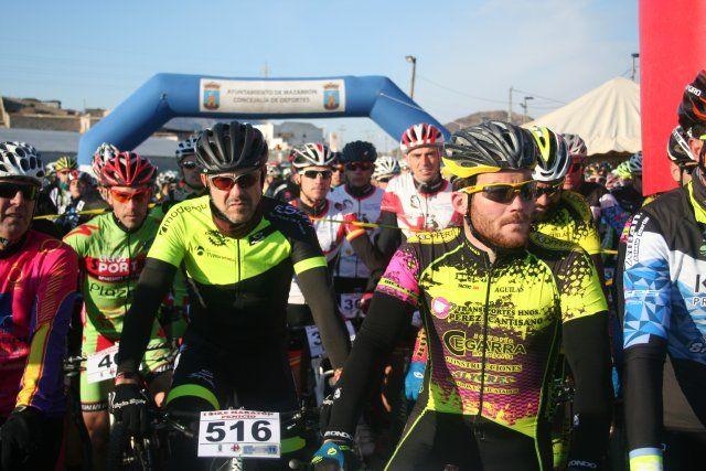 Cerca de 200 ciclistas participan en el I Bike Maratón Fenicio, Foto 2