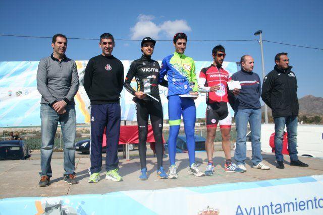 Cerca de 200 ciclistas participan en el I Bike Maratón Fenicio, Foto 4