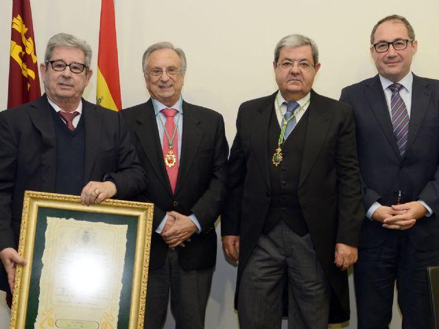 Grupo Fuertes, primer Académico Protector de la Academia de Veterinaria de la Región de Murcia, Foto 1
