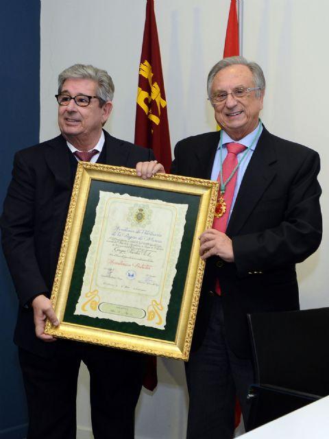 Grupo Fuertes, primer Académico Protector de la Academia de Veterinaria de la Región de Murcia, Foto 2
