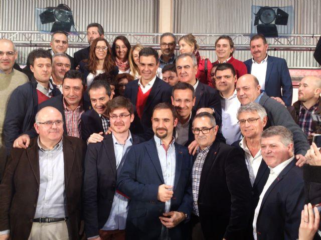 Pedro Sánchez se compromete con la Región de Murcia y envía un saludo a Alhama junto a Diego Conesa, Foto 4