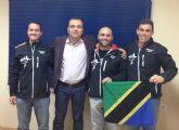 El concejal de Deportes felicitó a los tres montañeros del club Chotacabras que consiguieron coronar el Kilimanjaro