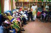 Usuarios y profesionales del Centro de Día de Personas Mayores Dependientes de la Balsa Vieja celebran el Carnaval´2015