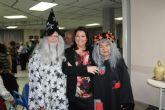 Los mayores celebran el Carnaval con disfraces y regalos