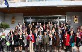 Las 28 candidatas a Reina de los Mayores comparten un desayuno con el Alcalde antes de viajar a Archena para disfrutar de una jornada de convivencia