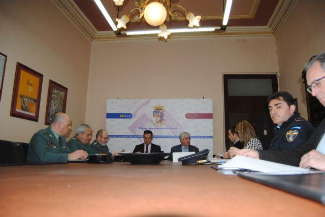 Bascuñana anuncia en Jumilla que en un plazo aproximado de dos meses estará concluida la rotonda que regulará el cruce de acceso al paraje Hoya Torres - 1, Foto 1