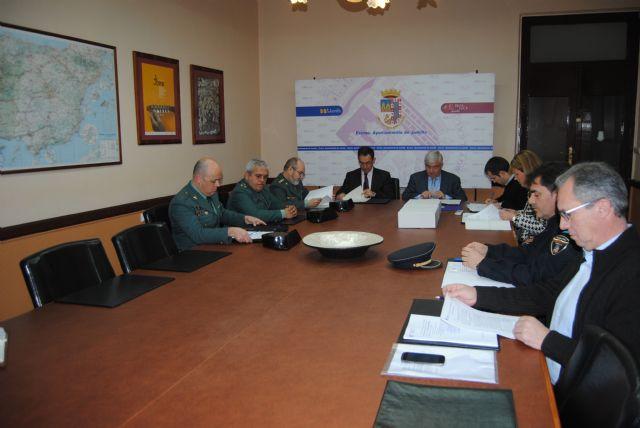 Bascuñana anuncia en Jumilla que en un plazo aproximado de dos meses estará concluida la rotonda que regulará el cruce de acceso al paraje Hoya Torres - 2, Foto 2
