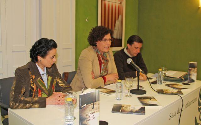 El lumbrerense Eduardo Carrasco presenta su libro Los peor ya ha pasado - 1, Foto 1